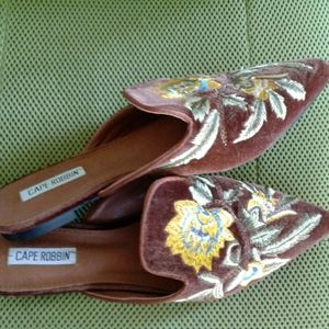 Cape Robbins flower slip on shoes